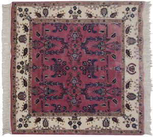 4×4 Sarouk Oriental Rose Hand-Knotted Square Rug