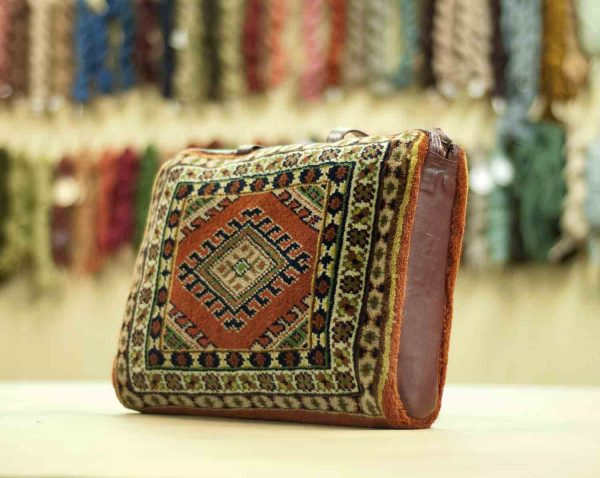 vintage carpet bag rust turkmen 033392